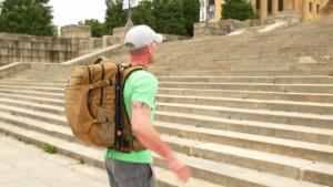 Floating Backpack : Benzersiz Sırt Çantası 3 floating backpack
